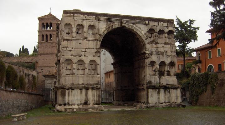 Documentación, anàlisis arquitectónico e inserción urbanística del arco cuadrifronte del foro Boario en Roma