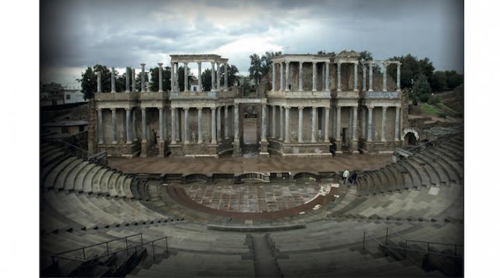 Mateos Cruz, P. (Ed.): La Scaenae Frons del teatro romano de Mérida. Anejos de AEspA, LXXXVI, 2018.