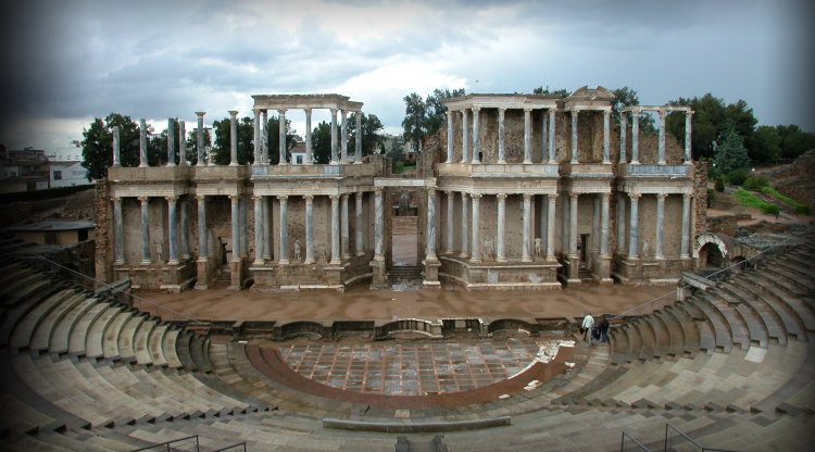 Presentación del volumen  <i>La <i>Scaenae Frons <i>del teatro romano de Mérida <i>. Pedro Mateos Cruz (ed.). ESCUELA ESPAÑOLA DE HISTORIA Y ARQUEOLOGÍA DE ROMA. 23 DE MAYO.